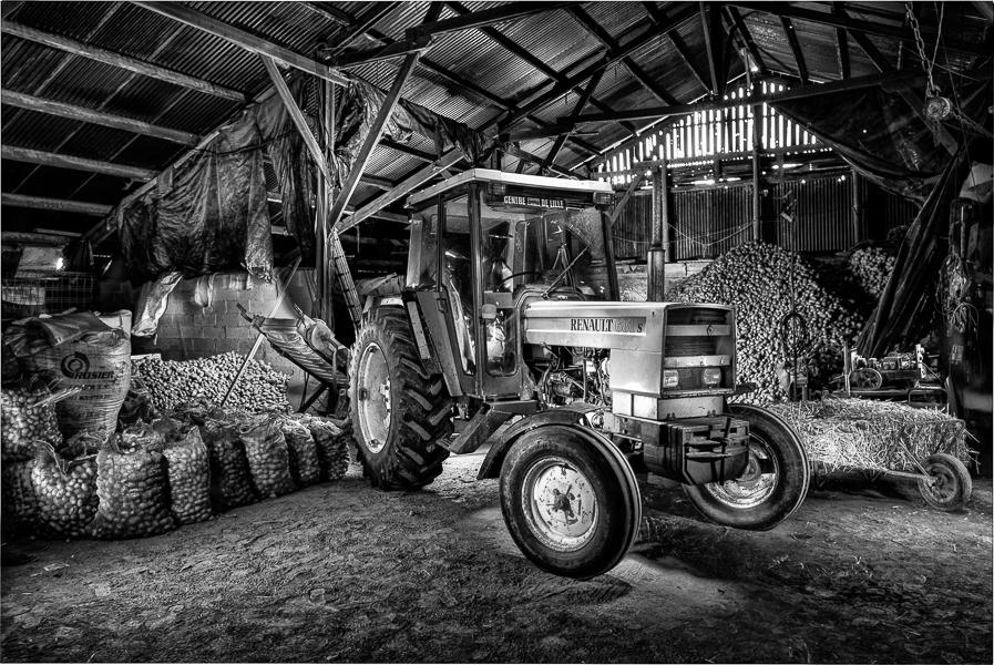 Noir et blanc lightpainting grange